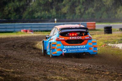 https://slovakiaring.sk/assets/uploads/matrix/gallery/omv-maxxmotion-rallycross-s-rekordnou-ucastou-pretekarov/matrix/_crop400/16.jpg