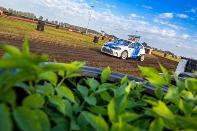 https://slovakiaring.sk/assets/uploads/matrix/gallery/omv-maxxmotion-rallycross-s-rekordnou-ucastou-pretekarov/matrix/_crop400/3.jpg